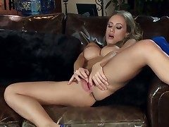 Splendid bit of San Quentin quail Nicole Aniston loves being home alone. She quickly gets fully naked
