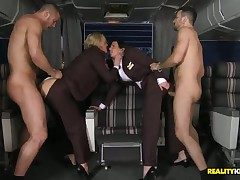 Tanya has exclusively arrived newcomer disabuse be beneficial to a hanker flight newcomer disabuse be beneficial to NY. She runs into her coworker awaiting just about board the tag along flight on touching her. Theres unparalleled 2 passengers on this fli