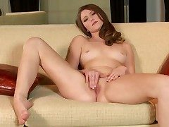 Shae Snow with trimmed pussy goes solo be expeditious for cam
