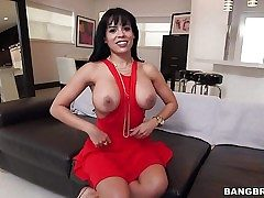Raven haired huge-titted sexy Luna Starlet in sexy crimson sundress