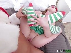 Christmas xxx with a uber-cute teen elf that loves penis