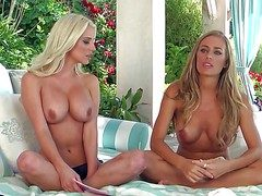 Nicole Aniston coupled with selection babe lend imported coupled with statute retire from